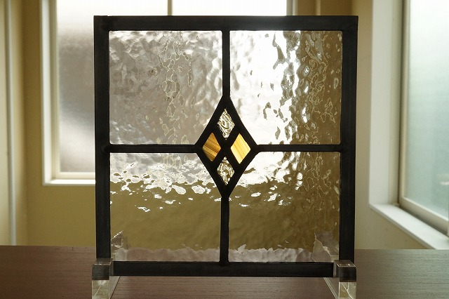 ステンドグラス 四つの小さなダイヤ イエロー×コハク 18cm×18cm