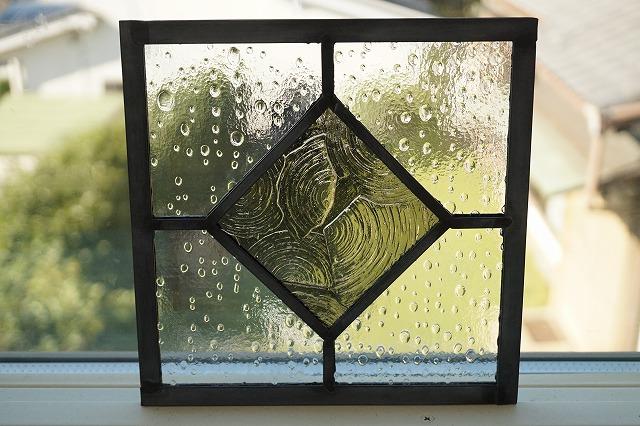 ステンドグラス シンプルひし形 グレー 18cm×18cm