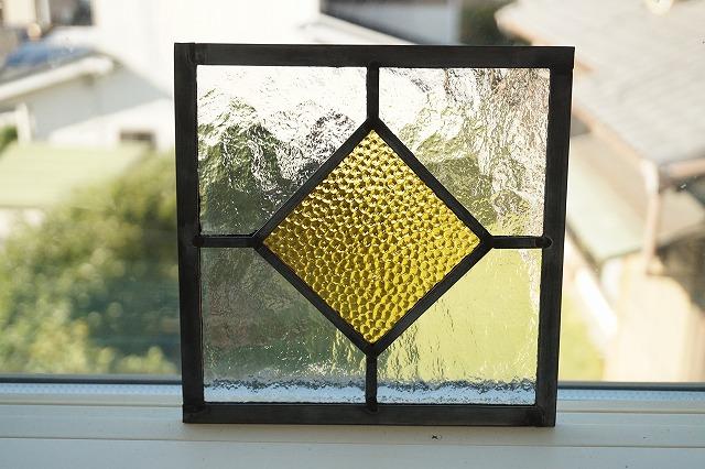 ステンドグラス シンプルひし形  コハク 18cm×18cm