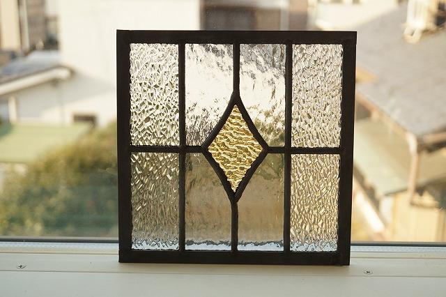 ステンドグラス ダイヤと格子 コハク 18cm×18cm
