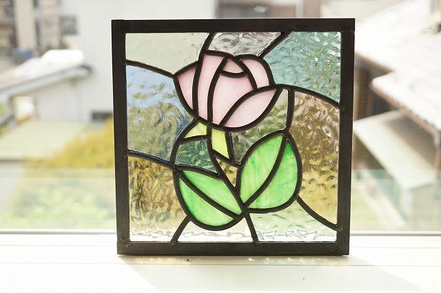 ステンドグラス ピンクのバラ 淡い色のくみあわせ 18cm×18cm