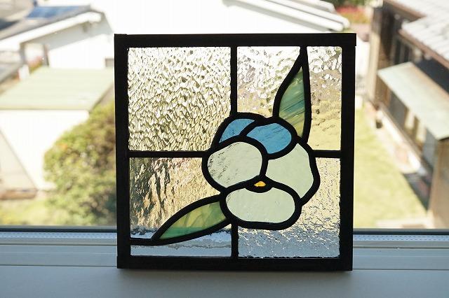 ステンドグラス パネル 住宅用 パンジー 18cm×18cm 【ステンド 室内窓 壁埋め込み スクエア 小窓 花 明かり採り】