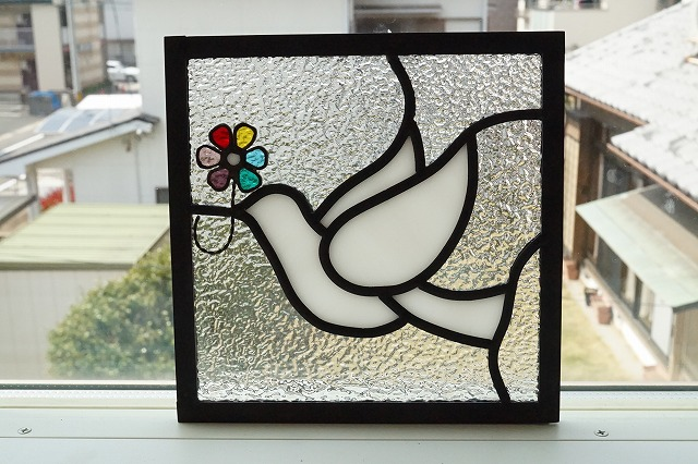 ステンドグラス 白いとりと花 クリアモス 18cm×18cm
