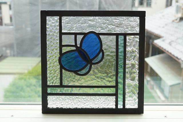 ステンドグラス ちょうちょとライン 18cm×18cm