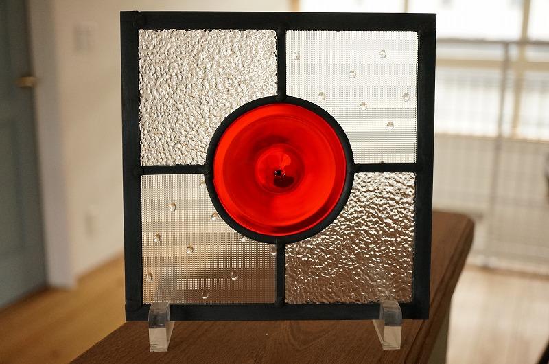 ステンドグラス レッドロンデル 背景クリア×クリア 18cm×18cm