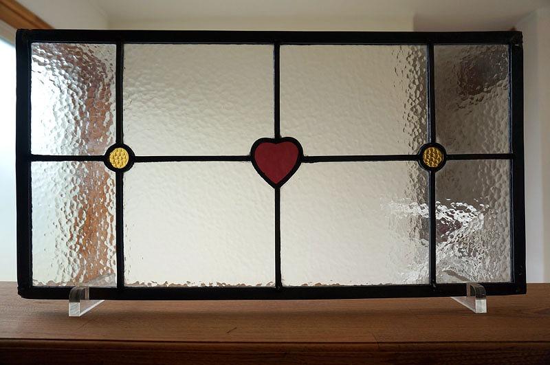 ステンドグラス パネル 住宅用 ハートとマル 50cm×25cm【ステンド 室内窓 小窓 可愛い 紫 黄色 ドア 明かり採り】