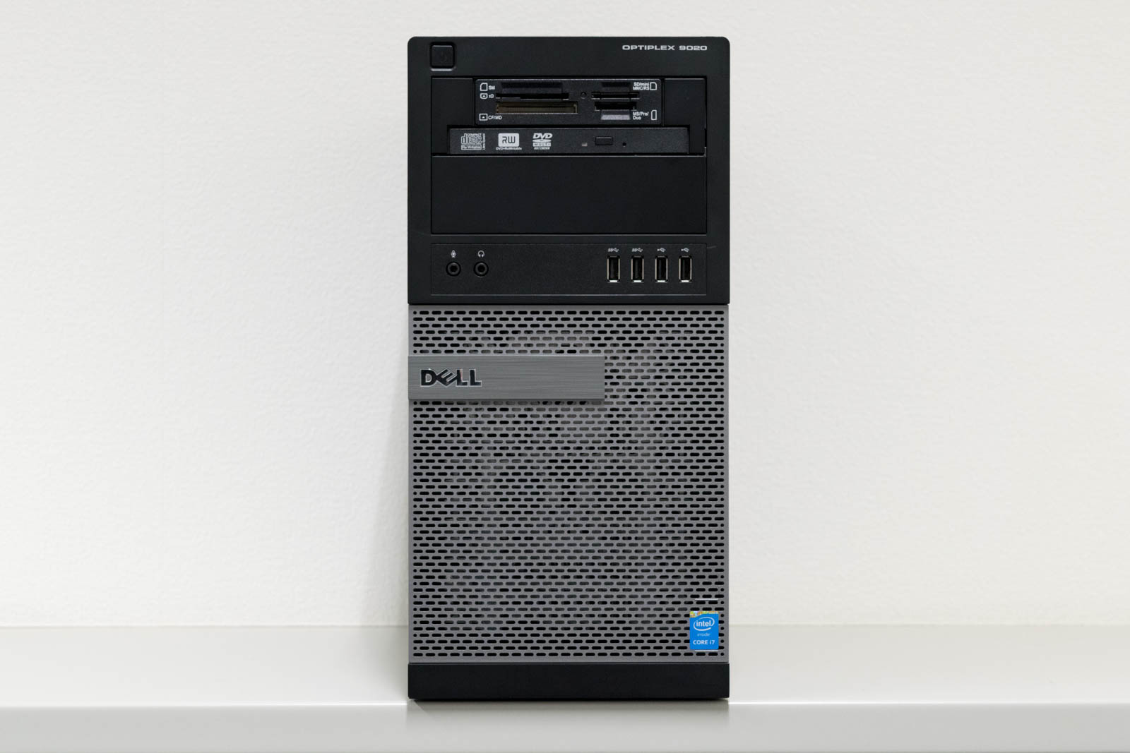DELL OptiPlex 9020 MT(ミニタワー), Windows 8.1 Pro 64bit, Core i7-4790, メモリ32GB(8GBx4), 256GB SSD + 1TB HDD, GeForce GTX745 4GB 【中古】