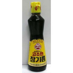 濃い色と香り高い風味が特徴の韓国産純正ゴマ油 厳選した白ゴマを3回焙煎してから丁寧に搾った 休日 濃い色と香り高い風味が特徴の韓国産純正ゴマ油です 超定番 320ml瓶 オトギ ごま油