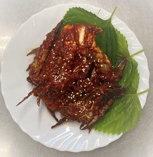 絶品渡り蟹のキムチ トラスト ケジャン 新鮮なカニをこだわりの辛口ヤンニョムに漬けました ケジャンのカニ味噌をご飯を混ぜて召し上がりください ヤンニンケジャン 韓国 今だけスーパーセール限定 500g 韓国食品 ワタリガニのコチュジャン漬け