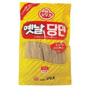 未使用 日時指定 韓国内でもポピュラーなオットゥギメーカーで料理しやすいチャプチェ用の春雨です さつまいもを原料として 時間がたってものびません オトギ春雨 500g ノビにくい春雨