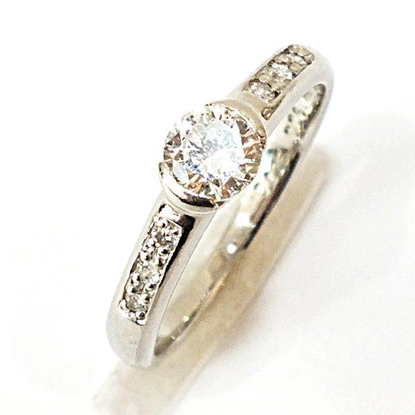 Pt900 ダイヤモンド リング 0.425ct 0.06ct 約9号 約2.8g中古品 MD0.06ct 新商品!新型 低価格 AB 約2.8g ダイヤモンドリング used