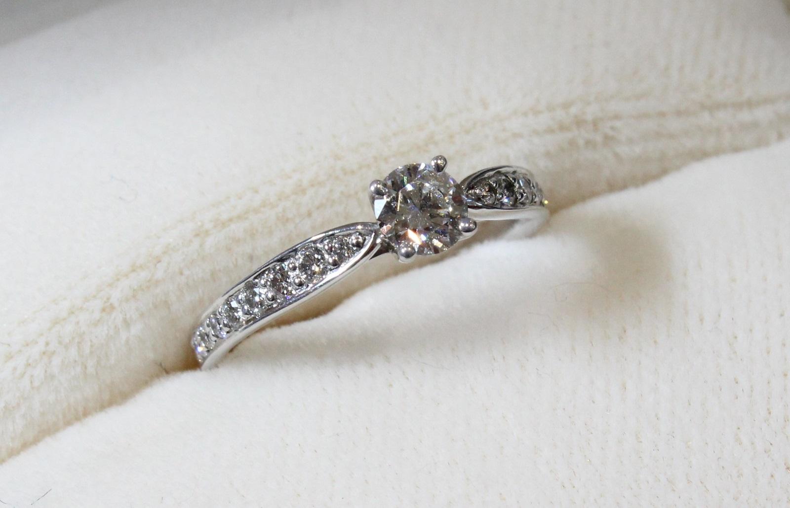 【Tiffany&㏇(ティファニー)】ハーモニーダイヤモンドリングダイヤモンド0.28ct Pt950 2.8g 6.5号上品 高級 箱/布袋付ギフト包装可 【中古】