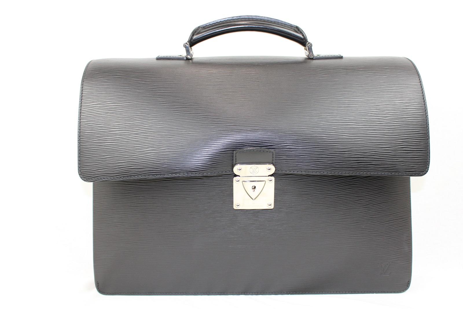 LOUIS VUITTON M54542 ロブスト2 エピ ノワール ブラック 黒 メンズ 男性 ビジネスバッグ ブリーフケース 書類ケース 大きい 鞄 カバン スーツ 仕事【中古】