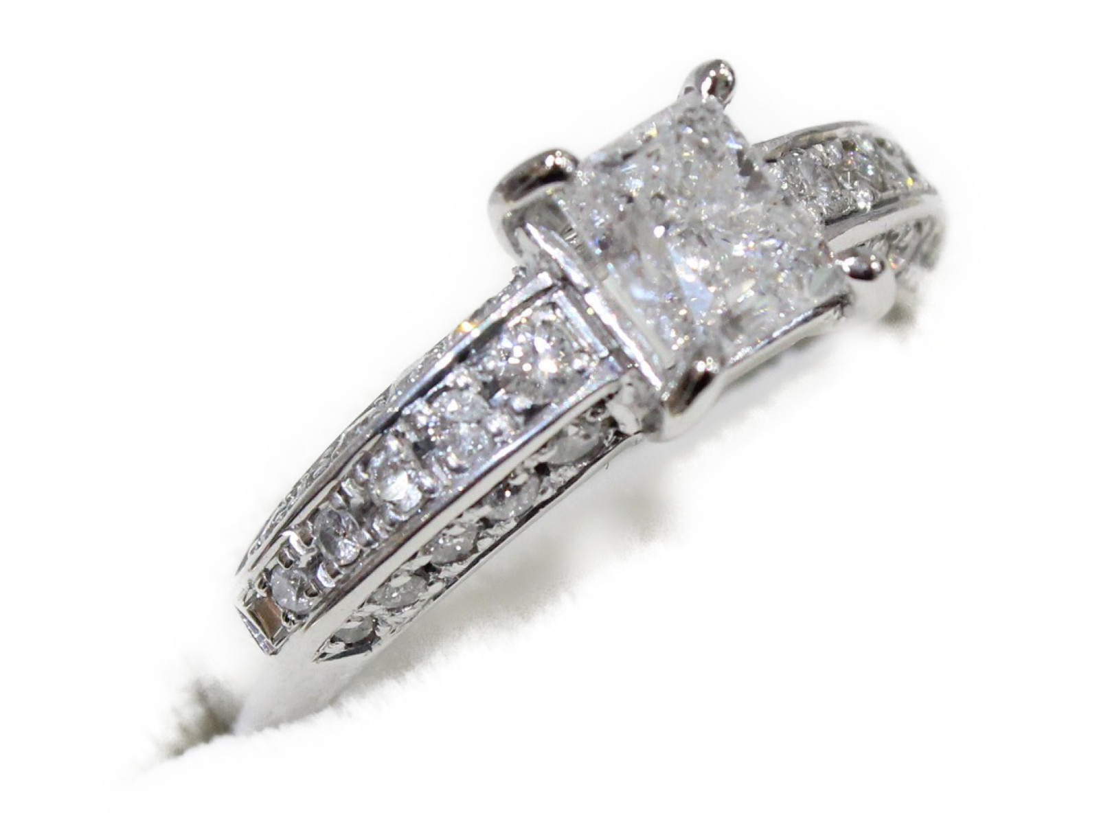 【☆新品仕上げ済】ダイヤモンドリングダイヤモンド1.06ct/0.40ctPt900 5.7g 12号高級 ギフト包装可【中古】