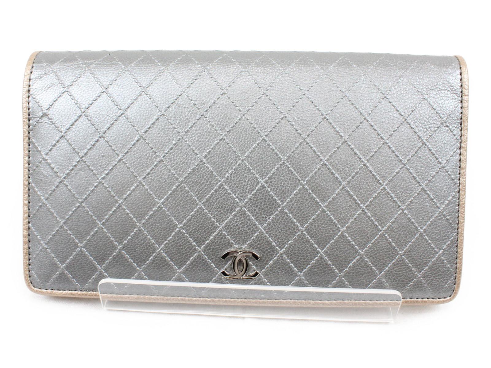 CHANEL シャネルファスナー付き 二つ折り長財布シルバー A33911 【中古】