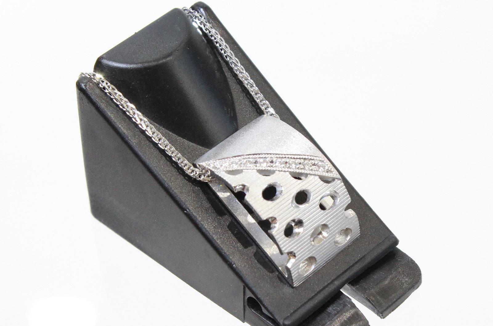 ダイヤモンドネックレスダイヤモンド0.07ct K18WG8.7g 50cm アジャスター付長めネックレス デザイン 上品ギフト包装可 【中古】