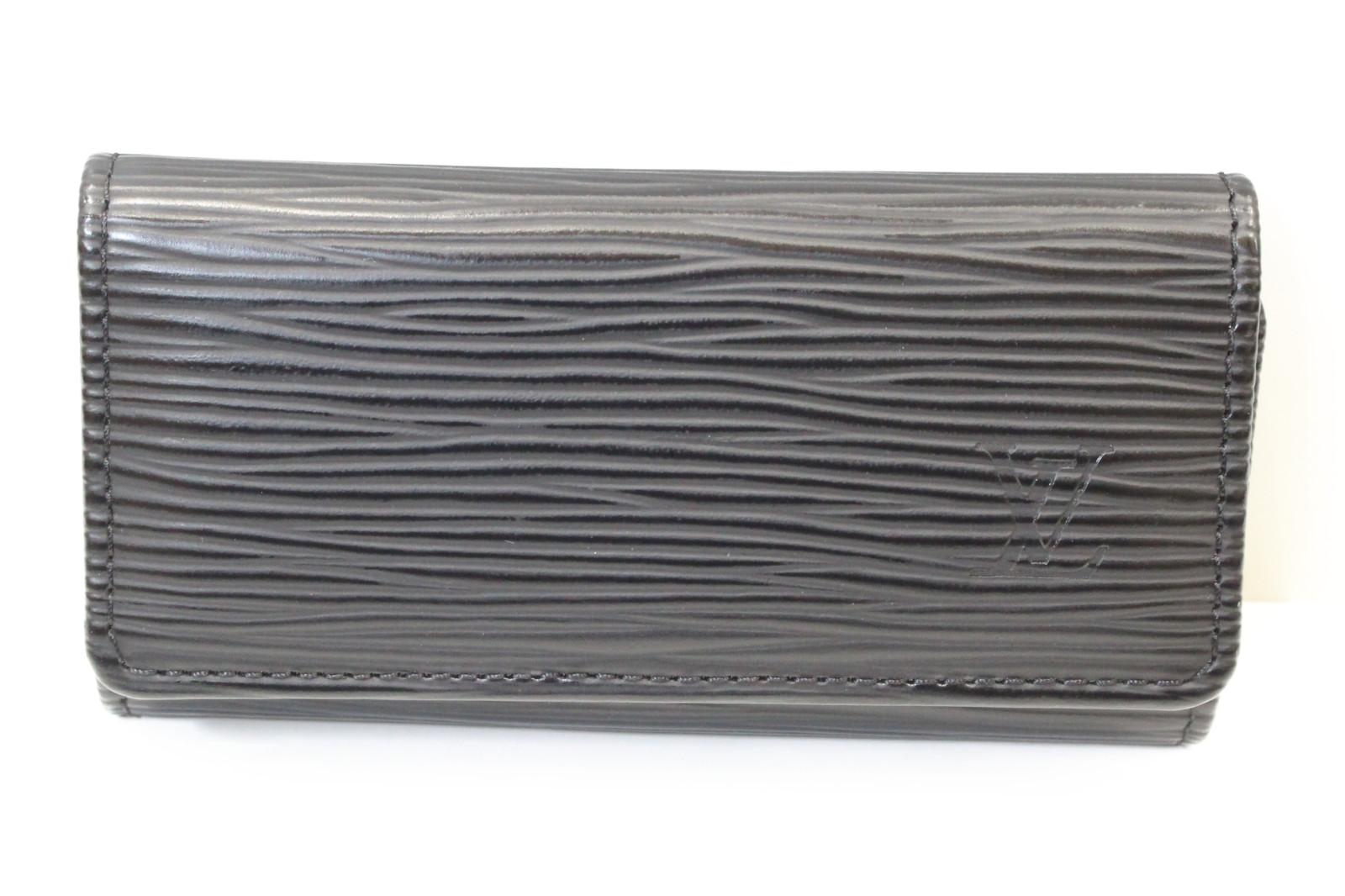 LOUIS VUITTON ルイヴィトンミュルティクレ4 M638224連 キーケース エピブラック シンプルプレゼント包装可 【中古】