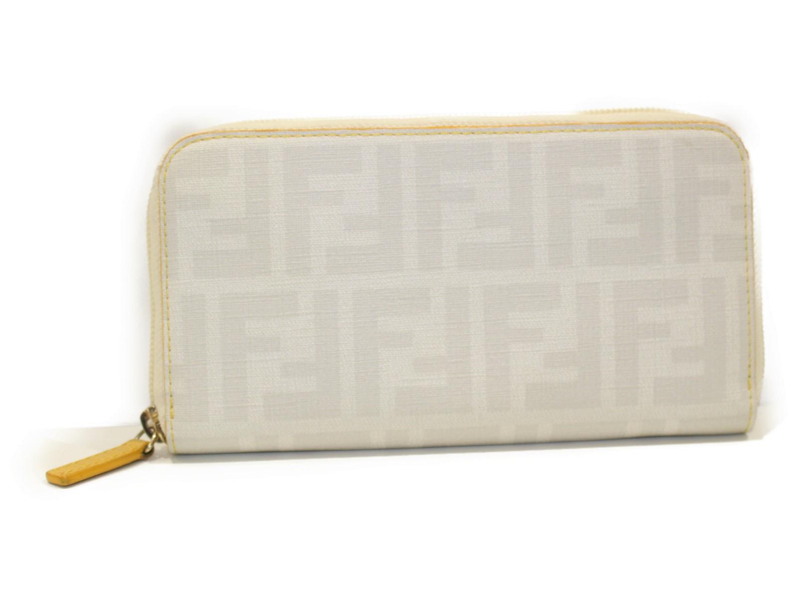 FENDI フェンディ ラウンドファスナー財布 8M0024 ホワイト系×イエロー   レディース ユニセックス メンズ ウィメンズ 長財布【中古】