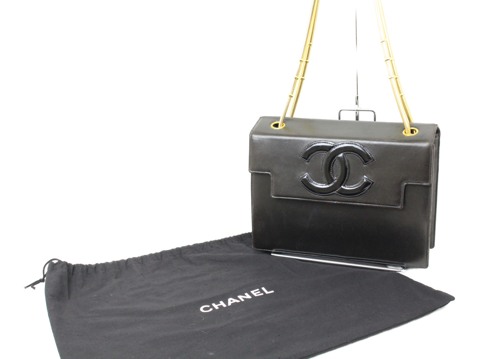 CHANEL シャネル スネークチェーンシェルダー ブラック ゴールド金具 レディース オシャレ シンプル ギフト【中古】