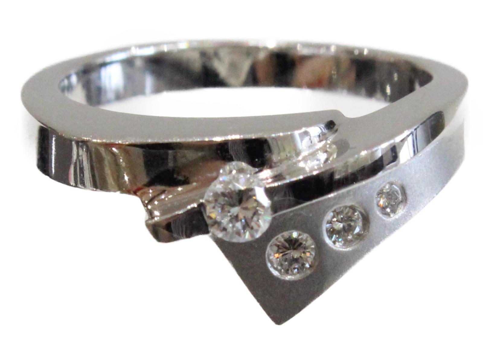 ダイヤモンドリングK18 ダイヤモンド6.2g 13号 シンプル美品 ギフト包装可 【中古】