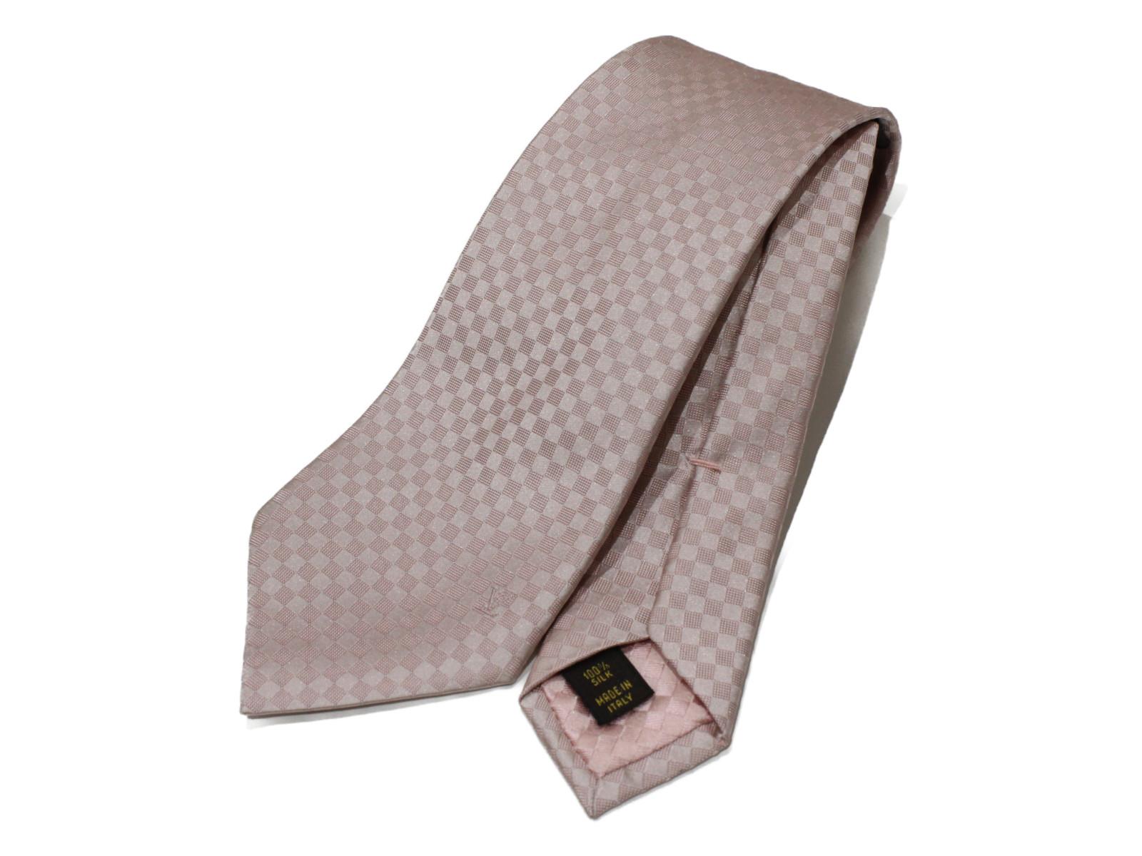 【シンプル☆】LOUIS VUITTON グラヴァッド・ダミエ M67990 ピンク系 シルク100% レディース メンズ ユニセックス ネクタイ スーツ フォーマル 新卒 入学式 卒業式 プレゼント包装可 【中古】