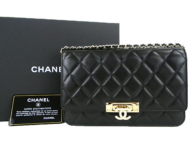 CHANEL香奈尔链子钱包肩膀羊羔皮肤黑色×黄金金属零件