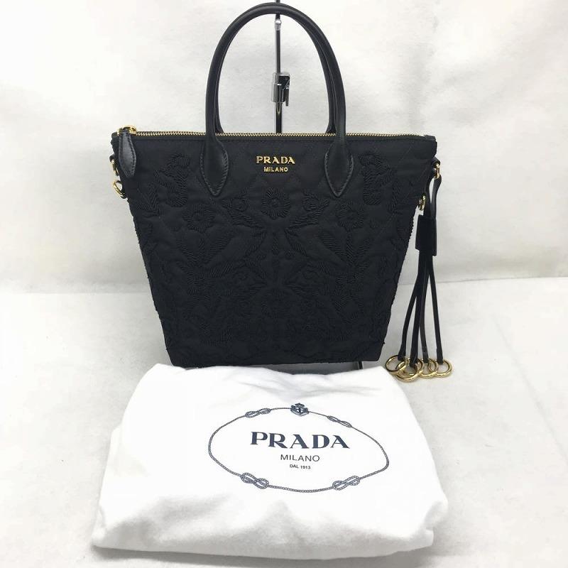 未使用 PRADA プラダ 2017年新作 18年7月購入 ナイロン2WAYハンドバッグ 刺繍 花柄 ステッチ ブラック レディース 管理RM9436