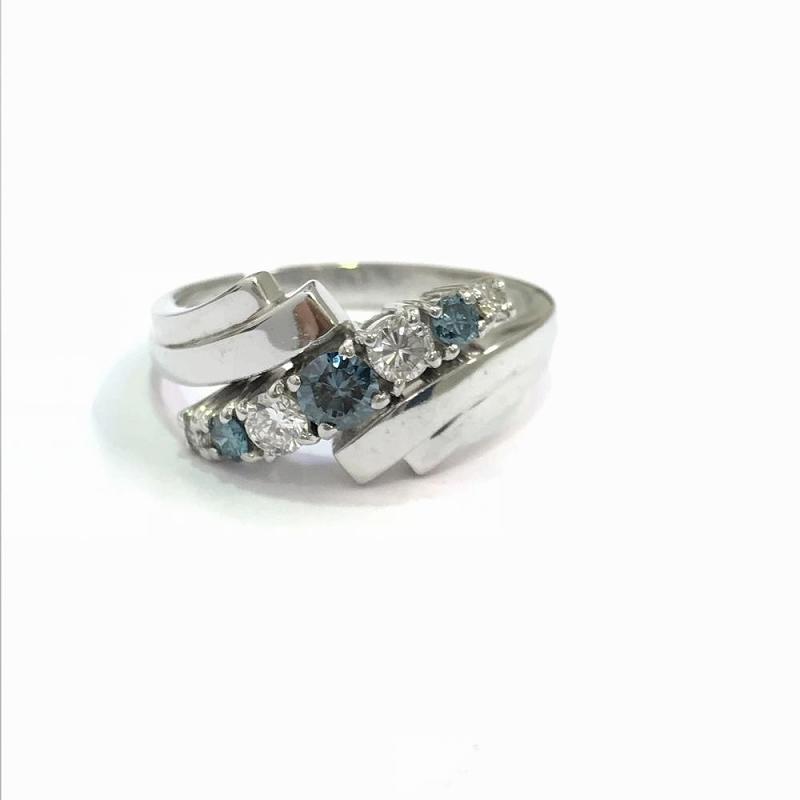 プラチナ 3ダイヤモンド ファッションリング Pt900 ラージメレ0.52ct 6.8g 15号 色石ブルー系 中古 指輪 ジュエリー レディース 管理YI2383