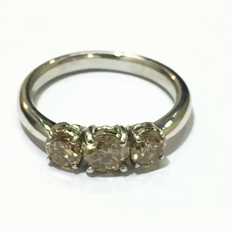 ホワイトゴールド ブラウンダイヤモンドリング スリーダイヤモンドリング 1.0ct 3.9g K18WG 10号 中古 指輪 ジュエリー 管理YI2413