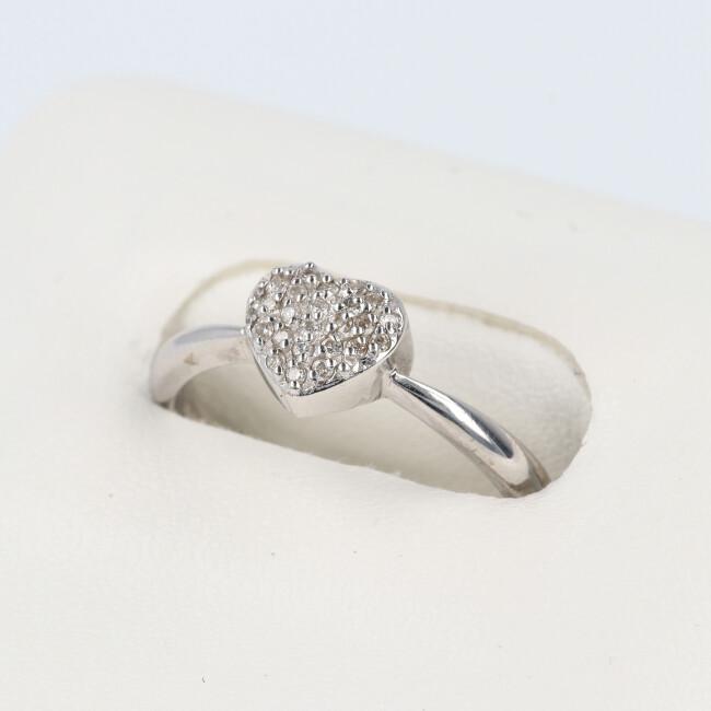 K18WG ダイヤモンドリング D0.10ct 約2.8g/約11号 ハートモチーフ パヴェ 結婚 ダイヤモンド 4月誕生石 【中古】