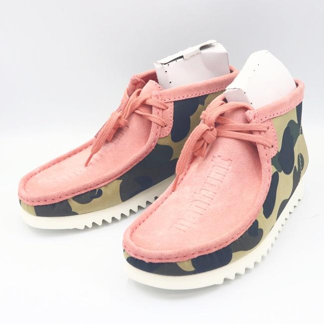 箱 アベイシングエイプ×クラークス ワラビーブーツ A BATHING APE アイテム勢ぞろい CLARKS ピンク 27cm 靴 スニーカー h 中古 表記:UK9 迷彩柄 コラボレーションモデル 数量限定アウトレット最安価格 カモフラ