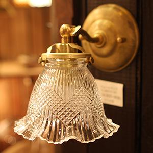 照明 おしゃれ アンティーク かわいい 北欧 インテリア 送料無料 壁用 壁 室内 壁付け ウォールランプ ウォールライト レトロ ブラケット ライト 灯具 室内照明 ブラケットライト ガラス 日本製