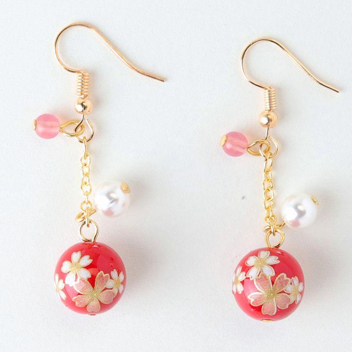 正規品スーパーSALE×店内全品キャンペーン 桜柄の和玉をあしらった かわいらしいロングピアスです 和風アクセサリー 和玉のピアス ロング 安心の実績 高価 買取 強化中 赤 桜柄