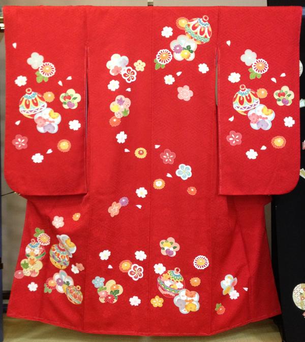 四つ身 赤 花と鈴 02P10Jan15