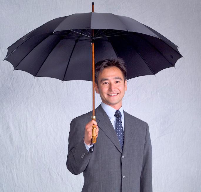 【名入れ/修理OK】前原光榮商店Bamboo16 (ブラック)「皇室御用達」前原光栄 紳士雨傘名前入れオプション\3000(税別)【1】ネームプレート打込(5/13仕上予定)【2】お名前ハンドル手彫り(5/27仕上予定)*税/送料込み価格*
