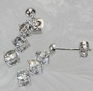K18WG 1.0ct ダイヤモンド3ストーンイヤリング/ピアス