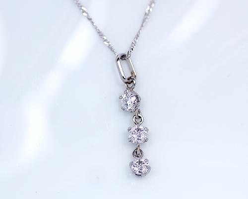Pt 0.3ct ダイヤモンド 3ストーン ペンダント