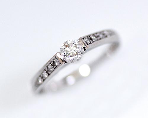 【2020年1月1日~1月3日限定 クーポン利用で20%OFF】K18WG 0.3/0.06ct ダイヤモンドリング (230820)