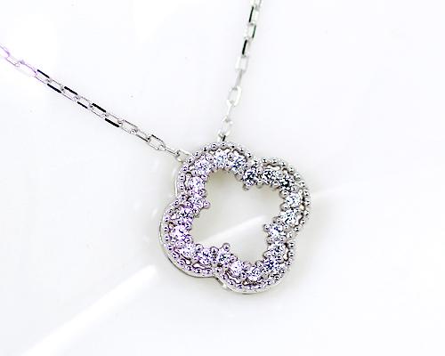 K10/WG 0.1ct ダイヤモンドフラワーペンダント