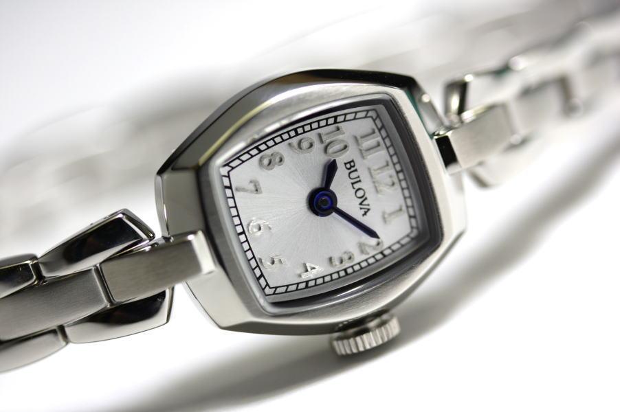 女性用のBULOVA【ブローバ】Vintage/ヴィンテージ コレクション・レディースウォッチ/クォーツ腕時計