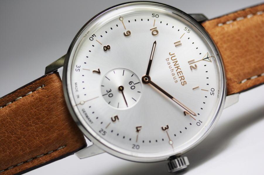生産終了!ドイツ製Junkers【ユンカース】Bauhaus【バウハウス】プゾーETA7001搭載の手巻き腕時計/正規代理店商品