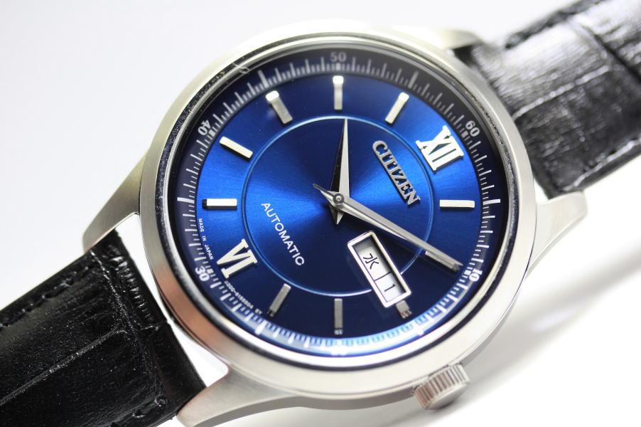 日本製CITIZEN【シチズン】ロイヤルブルー・デイデイト自動巻き腕時計/Made in JAPAN/Cal.8200/日本国内正規モデル
