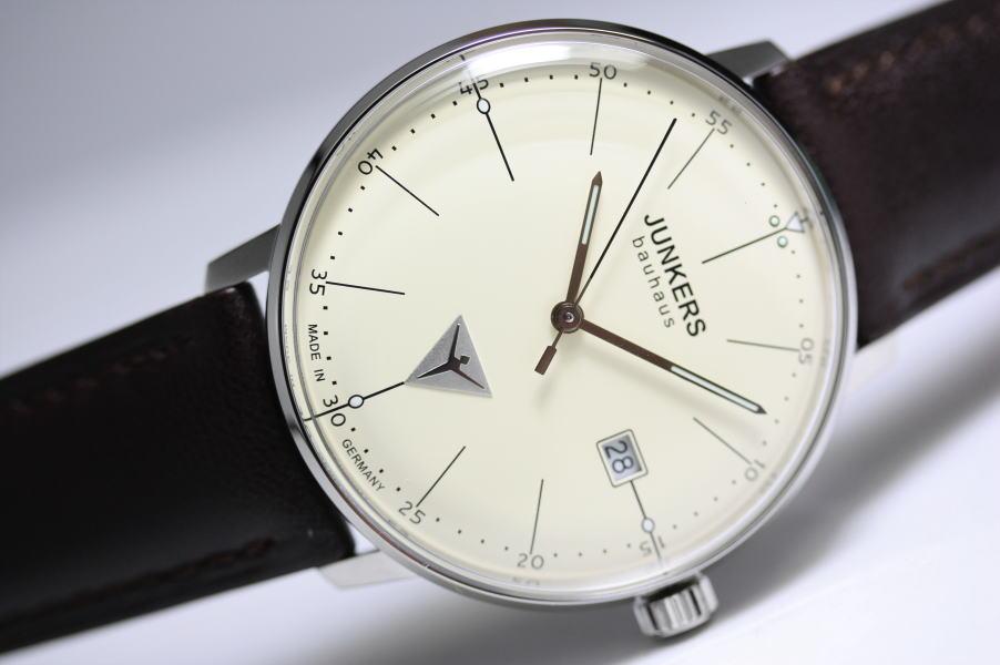 シンプル!ドイツ製Junkers【ユンカース】Bauhaus【バウハウス】クォーツ腕時計/デザインウォッチ/正規代理店商品