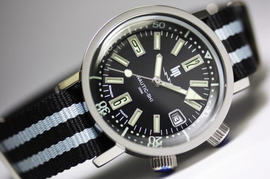 1967 转载 ! 法国 LIPNAUTIC 滑雪石英手表 / 200 米防水 / 获授权分销商产品