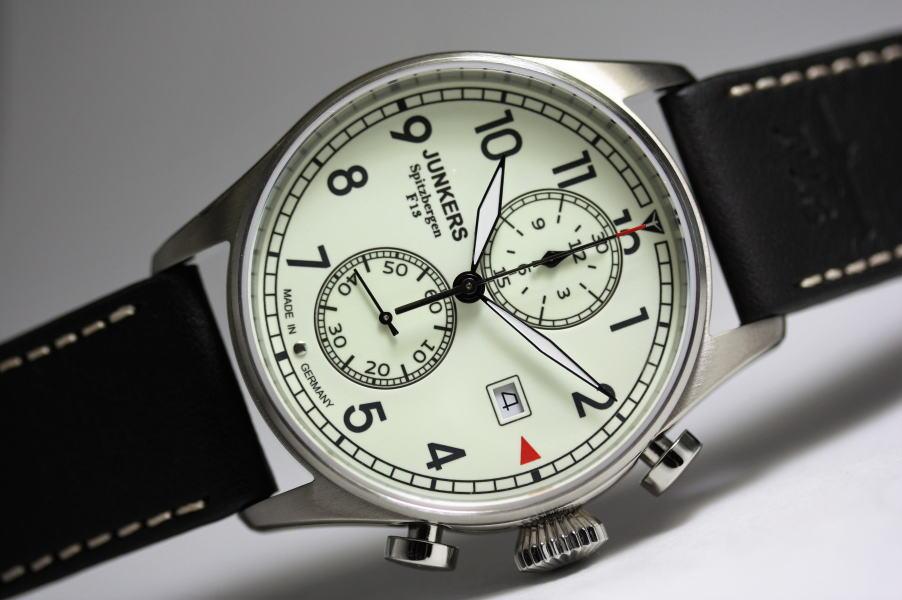 暗闇でも文字盤が光る!ドイツ製Junkers【ユンカース】Spitzbergen F13【スピッツベルゲン】クロノグラフ腕時計/パイロットウォッチ
