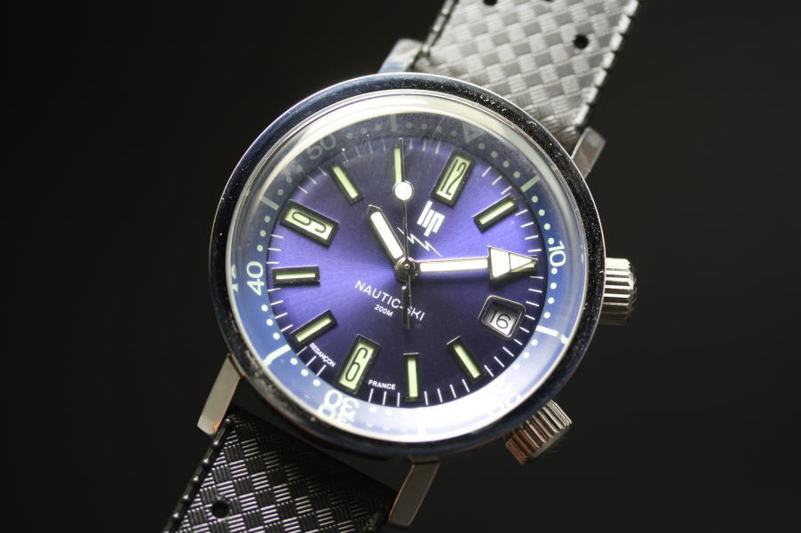 1967年の復刻!フランスのLIP【リップ】NAUTIC-SKI【ノーティックスキー】クォーツ腕時計/200m防水