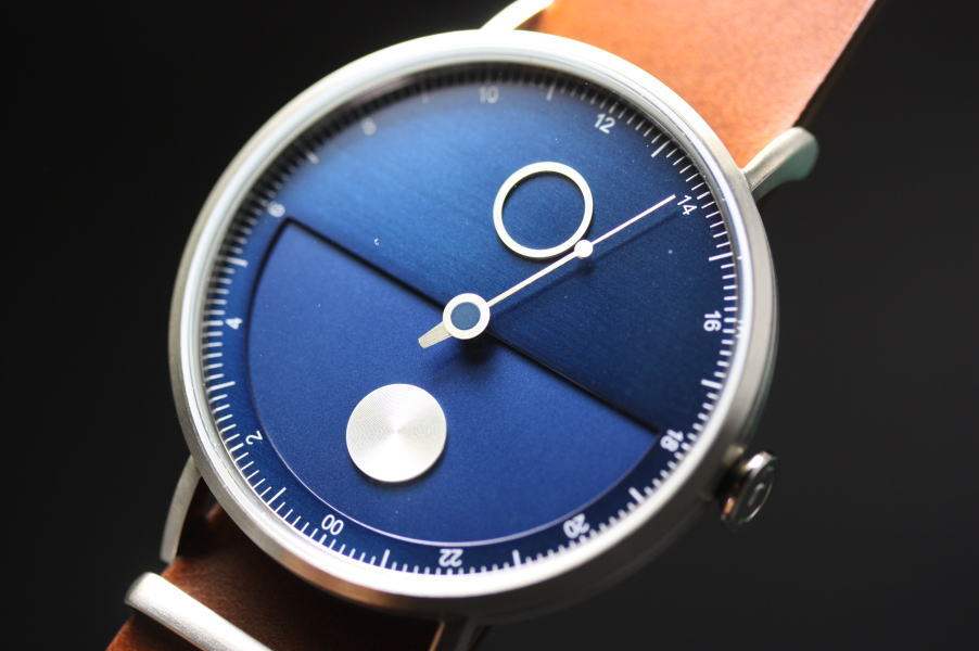 ゆったりと時を刻む!TACS【タックス】1本針の24時間表示デザインウォッチ!NIGHT BLUE(ナイトブルー)DAY&NIGHTワンハンドレッド/正規代理店商品