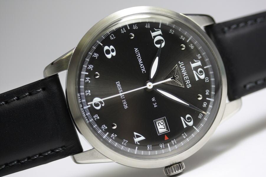 ドイツ製Junkers【ユンカース】Dessau 1926 Flatline自動巻き腕時計/フラットライン/バウハウスデザイン正規代理店商品
