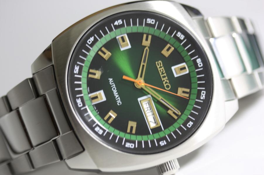 SEIKO【セイコー】RECRAFT【リクラフト】自動巻き腕時計/並行輸入商品/送料無料/日本未発売/角形ケース/クッション型ケース