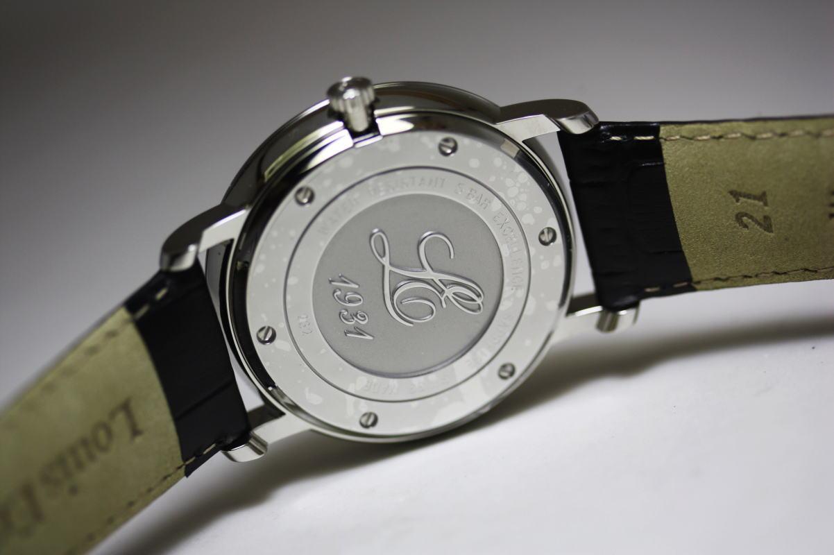 Louis ErardExcellence 调节器手缠绕在瑞士 / 真正的手表
